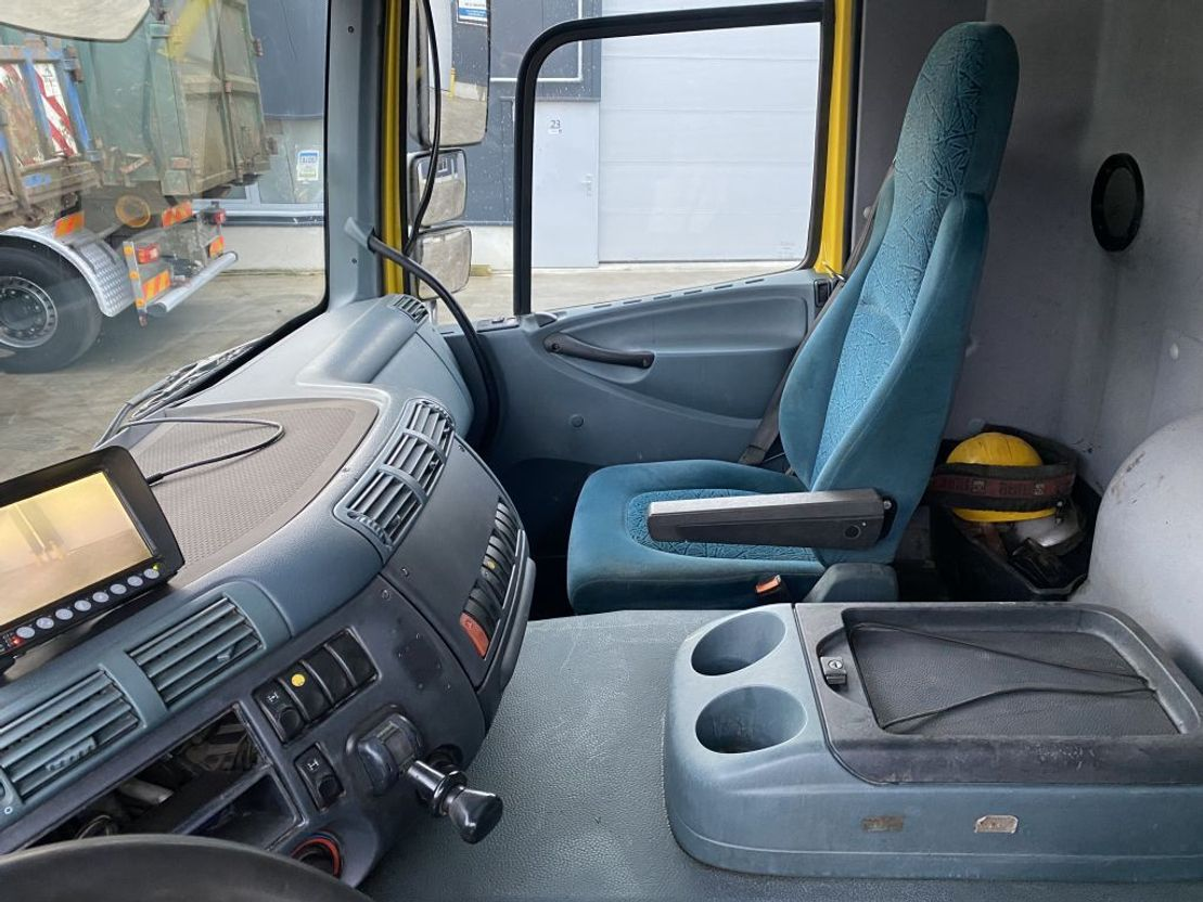 containersysteem vrachtwagen DAF CF85.380 8X4 HAAK + HIAB 195-3 2004