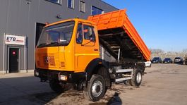 kipper vrachtwagen > 7.5 t Mercedes-Benz SK 1213  (LAMES / STEEL SUSPENSION / 4X4 /POMPE MANUELLE / MANUAL PUMP) 1989