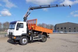 kipper vrachtwagen > 7.5 t MAN L2000 le 10.220 - 4x4 - 90.623 Km + HIAB 8 T/M KRAN + REMOTE CONTROL