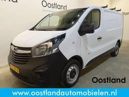 gesloten bestelwagen Opel Vivaro 1.6 CDTI L1H1 125 PK / Trekhaak / 3-Zits / 59.000 KM !! 2017