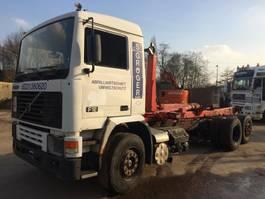 containersysteem vrachtwagen Volvo F12 6x2 **MANUAL PUMP-LIFTAXXLE** 1993