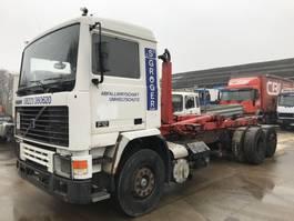 containersysteem vrachtwagen Volvo 6x2 **MANUAL PUMP-LIFTAXXLE** 1993