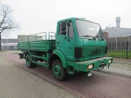 leger vrachtwagen Mercedes-Benz 1017 A  4x4  met huif
