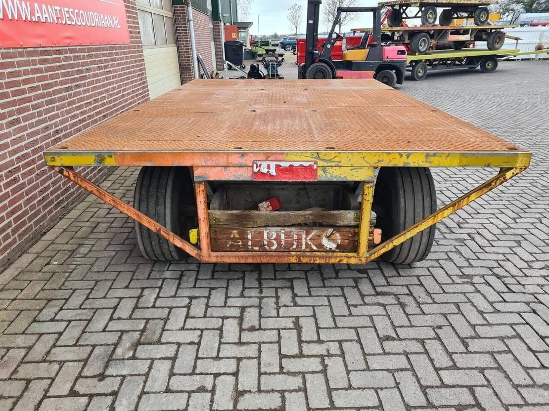 platte aanhanger vrachtwagen Diversen Materiaal / industriewagen