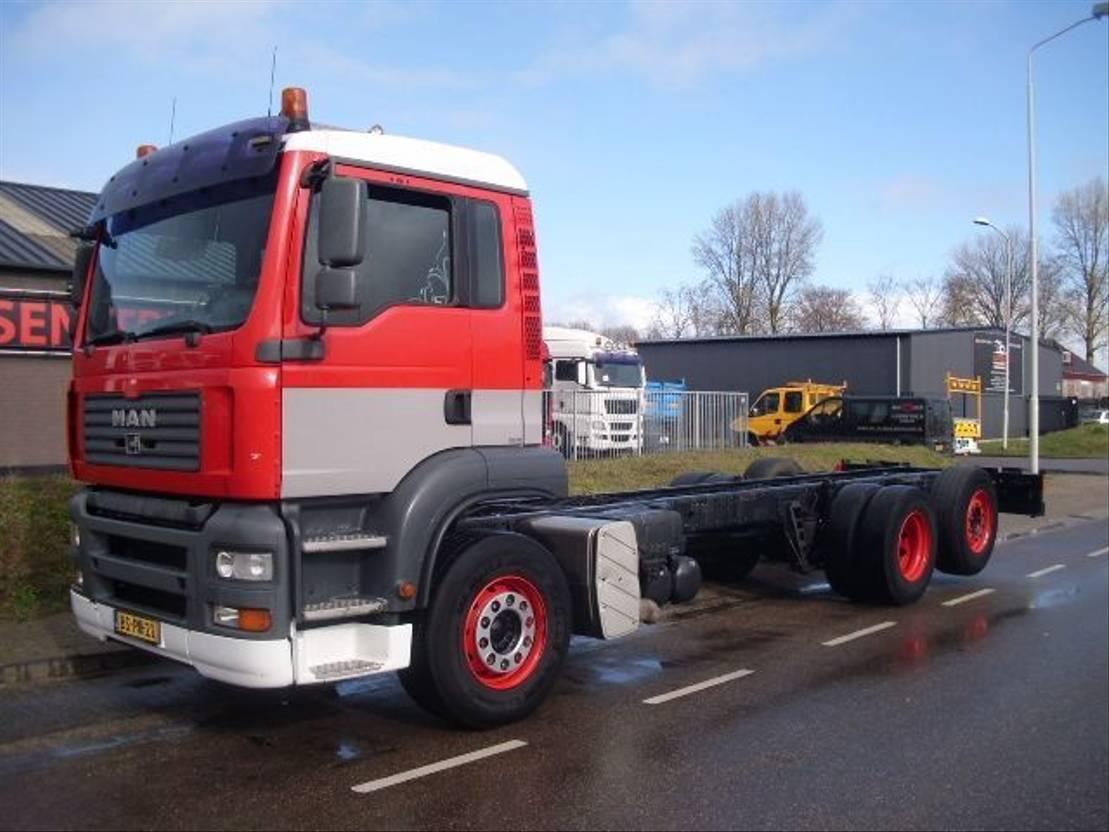 chassis cabine vrachtwagen MAN TGA 26.320  6X2   STEERING+LIFT+570.000 km+HOLLAND TRUCK 2006