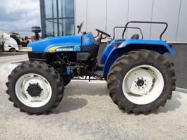standaard tractor landbouw New Holland 4710   4x4 2010