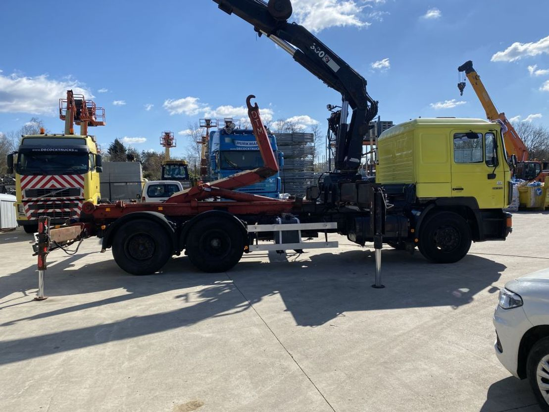 containersysteem vrachtwagen MAN 26.342 HAAKSYSTEEM + HIAB 300 X4 + JIB X3 1995