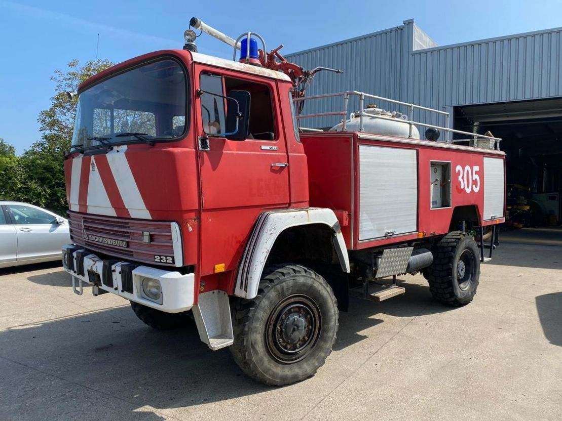 brandweerwagen vrachtwagen Magirus Deutz 232 1980