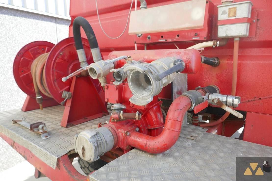 brandweerwagen vrachtwagen Renault 150 4x4