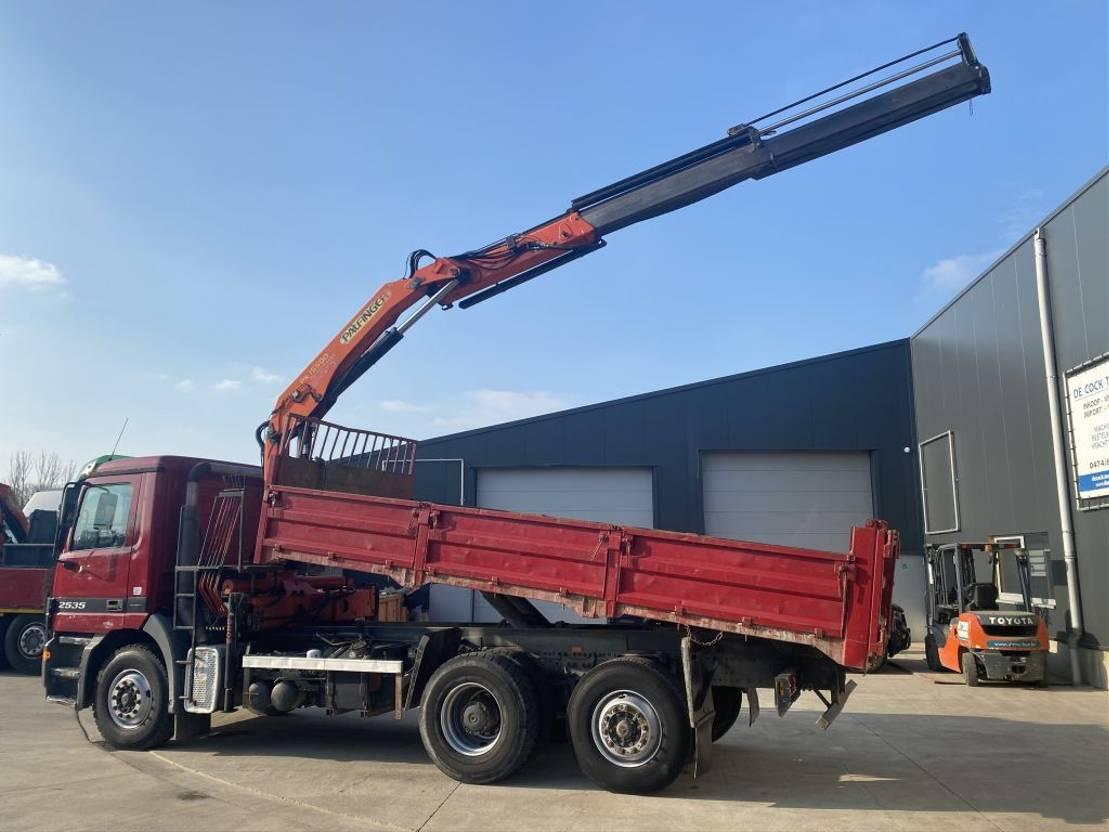 kipper vrachtwagen > 7.5 t Mercedes-Benz ACTROS 2535 6X2 KIPPER+KRAAN PK 15500