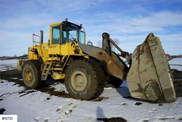 wiellader Volvo L180C w / bucket, weight and lever control 1995