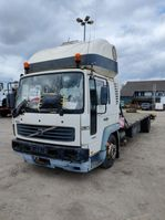platform vrachtwagen Volvo FL 250 2007