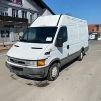 gesloten bestelwagen Iveco DAILY 35 S 12 2002