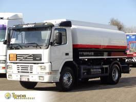 tankwagen vrachtwagen Volvo FM7-310 + Manual + ADR + 15000 L + 4 comp 2002