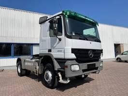 standaard trekker Mercedes-Benz Actros 2044 4X4   MANUAL RETARDER HYDRAULICS FULL STEEL 2005