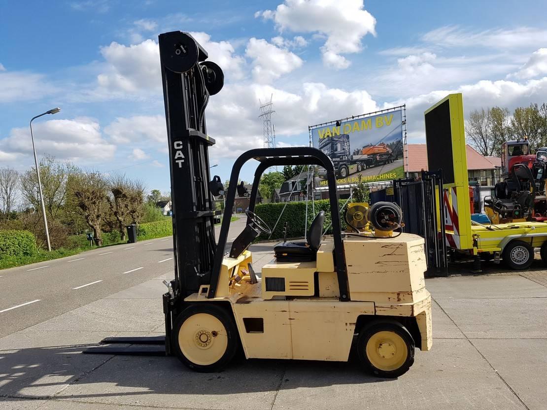 vorkheftruck Caterpillar LP50 5 ton LPG, 5.50m.
