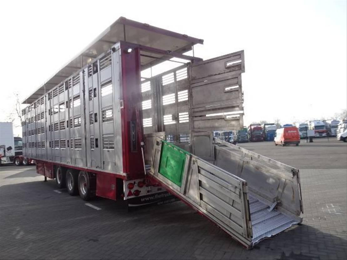 vee oplegger Menke-Janzen 4 Stock Livestock trailer 2006