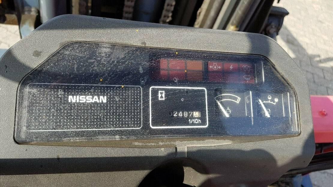 vorkheftruck Nissan J02(S)A25 mit Drehbarer Gabel, 3 teiliger Mast 1995