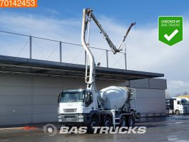 betonpomp vrachtwagen Iveco Trakker 410 8X4 Pumi Big-Axle Steelsuspension Alcoa's Euro 4 2008