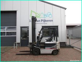 vorkheftruck Nissan P1B2L25U 2.5t electro + sideshift 7677uur 2009! 2009