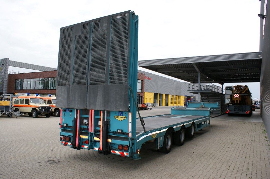 semi dieplader oplegger Broshuis 3 AOU-18-36 SLair 6.4 M Extand. Ramps Winch Liftaxle Radio Remote! 2016