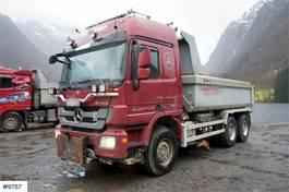 kipper vrachtwagen > 7.5 t Mercedes-Benz Actros 2660 6x4 Snow-rigged tipper truck with cent 2012