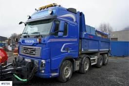 kipper vrachtwagen > 7.5 t Volvo FH16-540 8x4 Snow rigged tipper truck. WATCH VIDEO 2012