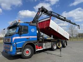 driezijdige kipper vrachtwagen Volvo FM500 8x4  3 WAY TIP CRANE HIAB 211 EP-5 RADIO EURO 5