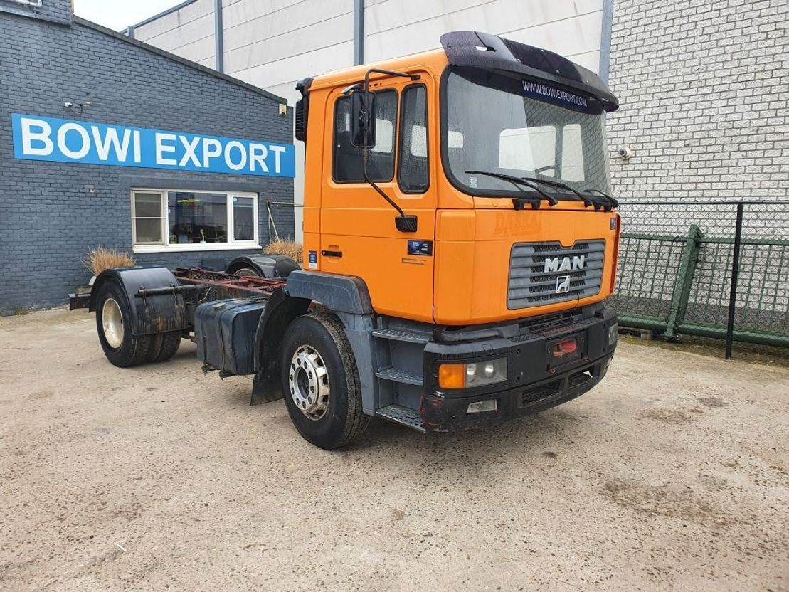 chassis cabine vrachtwagen MAN 19.403 1999