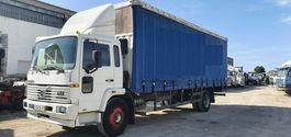 schuifzeil vrachtwagen Volvo FL6 15 Side Curtains Box