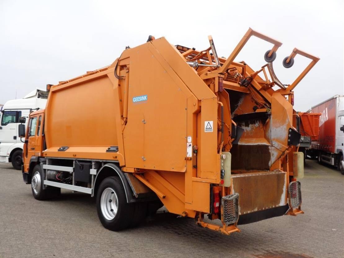 vuilniswagen vrachtwagen Volvo FL serie 220 Automatic + Airco + Garbage 2006