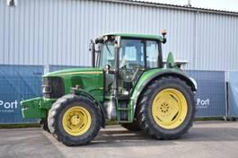 standaard tractor landbouw John Deere 6120 2005