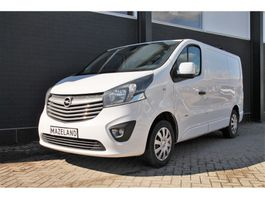 gesloten bestelwagen Opel Vivaro 1.6 CDTI 120PK - Airco - Navi - Cruise - € 12.500,- Ex. 2018