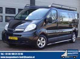 gesloten bestelwagen Opel Vivaro 2.0 CDTI 115pk L2 DC Imperiaal - Trekhaak 2008