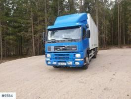 bakwagen vrachtwagen Volvo FM7 box truck w / lift & full side opening 1998
