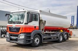 tankwagen vrachtwagen MAN TGS 26 BL 6X2-4 + CM 18.700L/5 + E6 2015