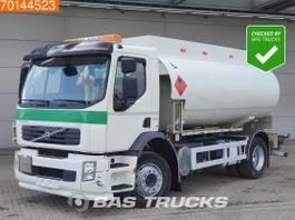 tankwagen vrachtwagen Volvo FE 300 4X2 13.000 Liters 4 Compartments Pump ADR Manual Euro 5 2009