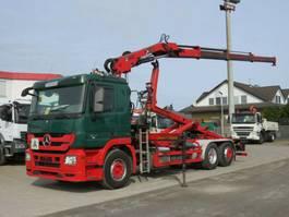 containersysteem vrachtwagen Mercedes-Benz Actros 2541 L6x2 Abrollkipper mit Kran Hiab 144 2009