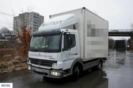 bakwagen vrachtwagen Mercedes-Benz Atego 818 4x2 Box truck with short wheelbase. 5.99 2005