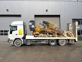 boorinstallatie Atlas Copco ROC 440 Drill + IVECO Eurostar 430 truck + Atlas copco XAVS 136