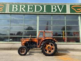 standaard tractor landbouw Fiat 750 1973