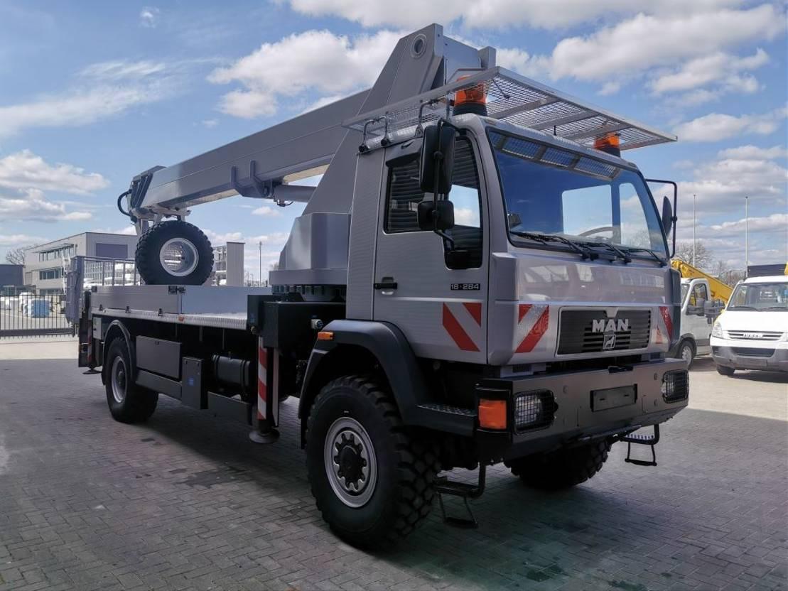 autohoogwerker vrachtwagen MAN 18.284 4x4 Wumag WT 350 35 Meter! 1999
