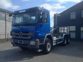 containersysteem vrachtwagen Mercedes-Benz 3344 6x4  euro 5 haaksysteem 2011