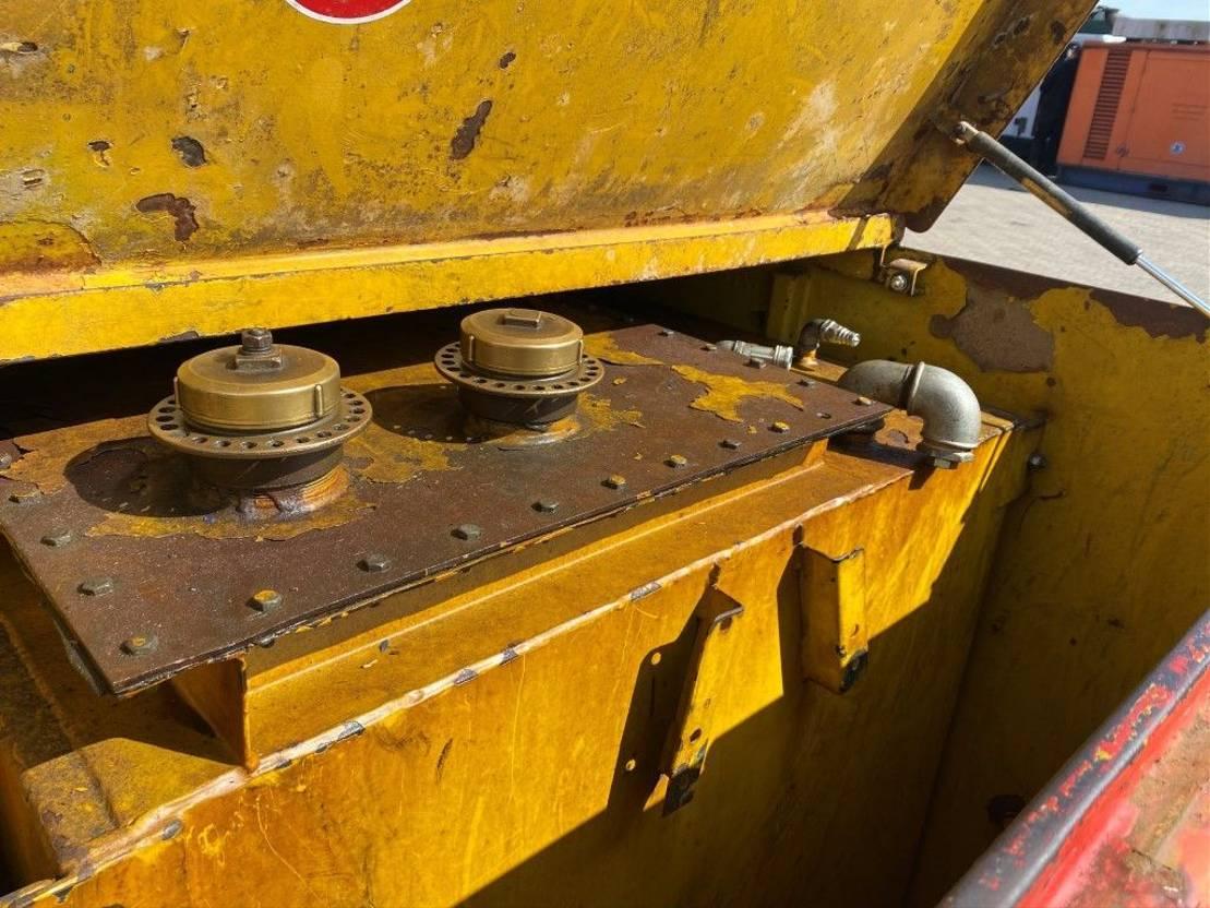 IBC-intermediate bulk container Kiwa IBC Lasaulec 3000 liter Dieseltank met keuring 1998