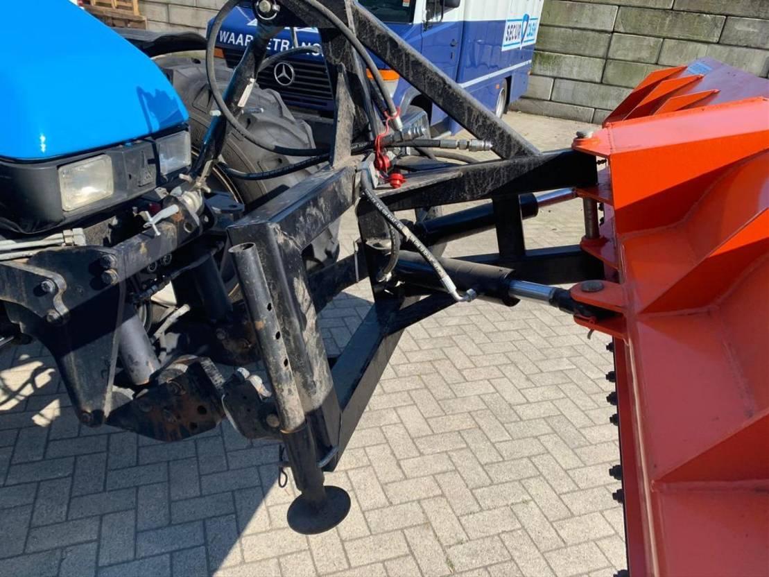 standaard tractor landbouw Deutz deutz 4x4 airco sneeuwschuiver