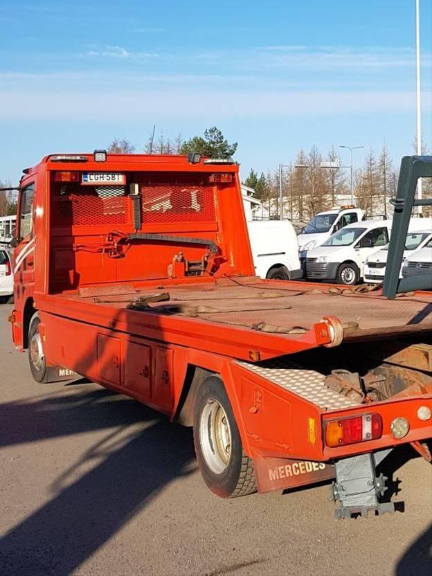 takelwagen-bergingswagen-vrachtwagen Mercedes-Benz LTJ 6.4. 2004