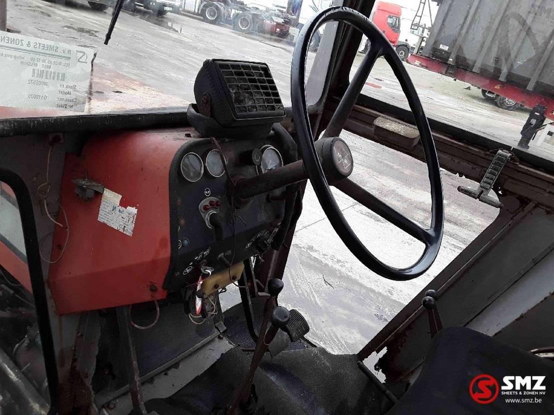 standaard tractor landbouw Massey Ferguson 595