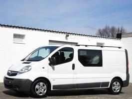 gesloten bestelwagen Opel Vivaro 2.5 CDTi Lang Doppelkabine 6 Sitze Klima Ahk LKW Euro 4 2011