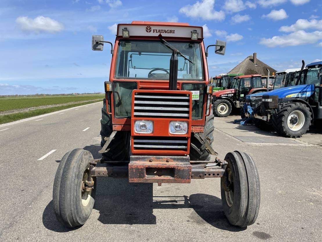 standaard tractor landbouw Fiat 90-90 1989
