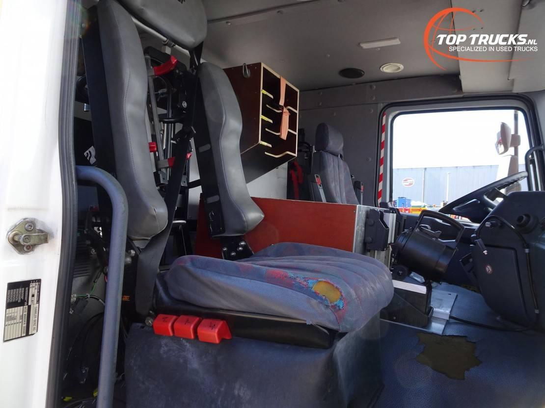 brandweerwagen vrachtwagen Mercedes-Benz Actros 1853 L MP 1 - feuerwehr - fire brigade - V8 - 3.000 ltr watertank - Dubble ca... 2001